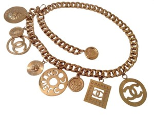 Chanel Sale ! RARE VINTAGE CHANEL GOLD PLATED LARGE CHARMS BELT / NECKLACE