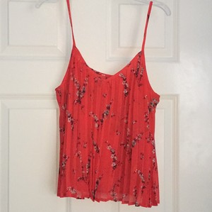 Abercrombie & Fitch Top red