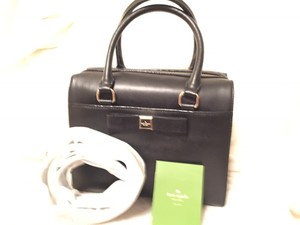 Kate Spade Leather Bow Likenew Satchel in Black