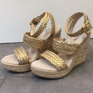 MICHAEL Michael Kors Gold leather Wedges
