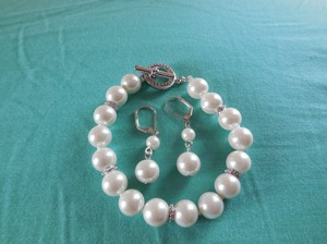 Faux Pearl Bracelet and Earrings