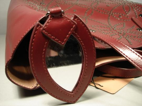 ALAA Attached Envelope New Heart Mirror Gunmetal Studs Tote in Dark Burgundy/Bordeaux Image 6