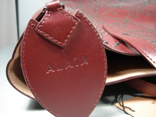 ALAA Attached Envelope New Heart Mirror Gunmetal Studs Tote in Dark Burgundy/Bordeaux Image 7