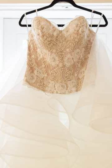 Wtoo White Latte Corset A Flirty Multi-layer Organza Skirt with Horsehair Hem and Double-faced Satin Ribbon with A Beaded Hair Maelin Nori Feminine Wedding Dress Size 8 (M) Image 4