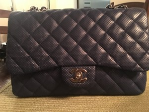 Chanel Lambskin Like New Jumbo Shoulder Bag