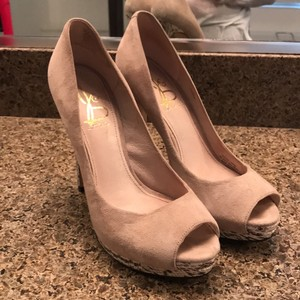 Joan & David Nude Platforms