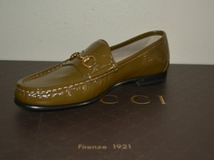 Gucci Leather Loafers Olive Flats