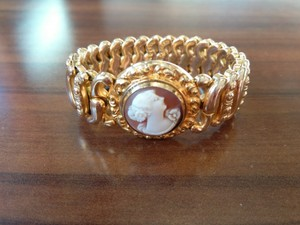antique cameo the american queen bracelet