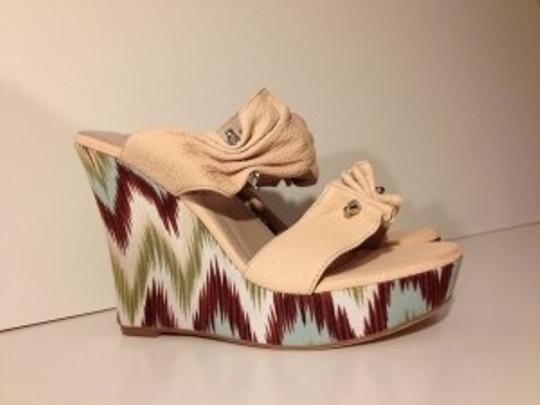Sondra Roberts Natural Wedges