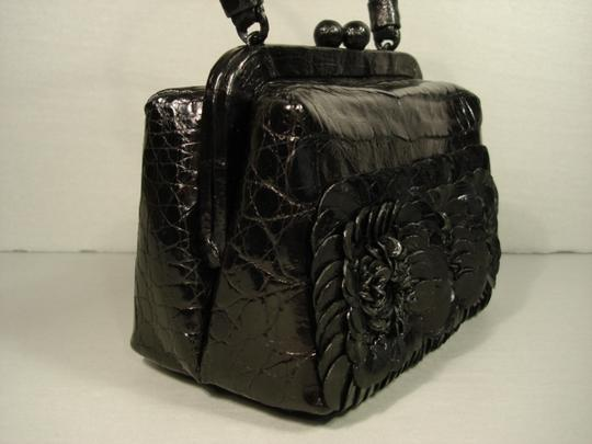 Nancy Gonzalez New Can Be Day Mirrors In Flowers 3 Croc Flowers Shoulder Strap Cross Body Bag Image 4