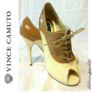Vince Camuto Cream/Brown Boots