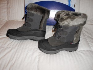 Baffin Snobunny -40 Degree Rating Made In Canada Grey Boots