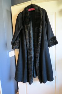 Albert Nipon Statement Fur Heavy Trench Coat