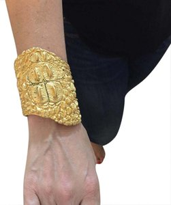 Givenchy GIVENCHY AUTHENTIC GOLDTONE CROCODILE CUFF BRACELET