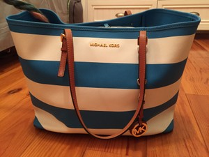 Michael Kors Tote in White/Light Blue