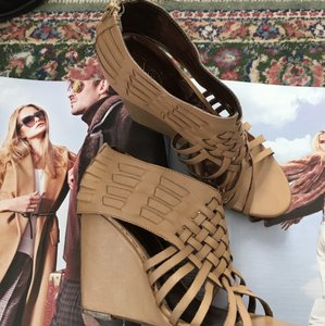 Carlos by Carlos Santana Tan Wedges