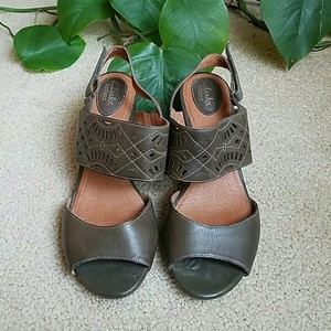 Clarks Green Wedges