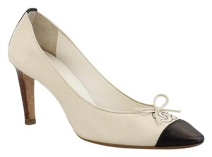 Chanel White Cream Black Pumps
