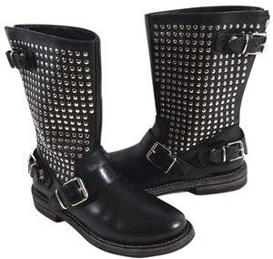 Burberry Silver Studded Adjustable Straps Zip Leather Lining Made In Italy Black Boots