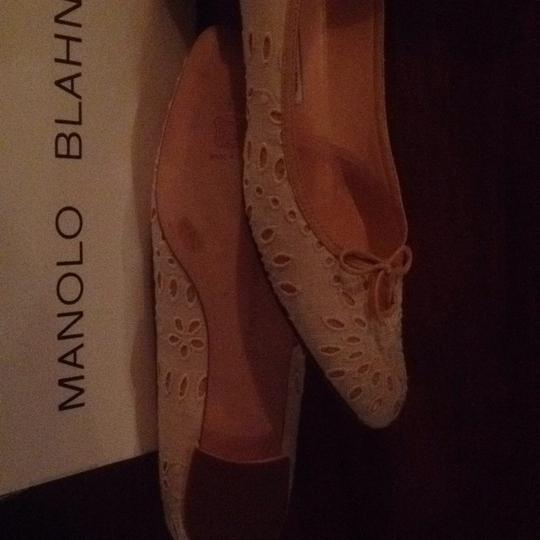 Manolo Blahnik Neutral Cream With Tan Trim Flats