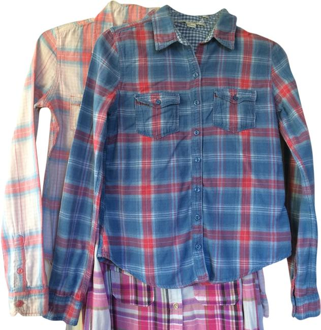 Preload https://item5.tradesy.com/images/forever-21-button-down-shirt-1989819-0-0.jpg?width=400&height=650