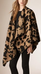 Burberry Wool Cashmere Cape