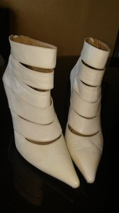 Charles Jourdan Winter white Boots