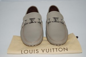 Louis Vuitton Leather stone/beige Flats
