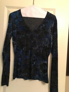 Karen Kane Velvet Longsleeve Top Blue and black