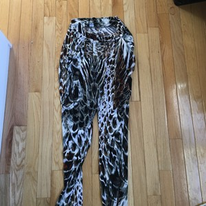 bebe Relaxed Pants Brown black and white