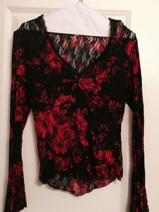 Cache Lace V-neck Top black and red