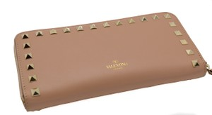 Valentino VALENTINO Womens Pyramid Rockstud Continental Light Brown Nude Wallet