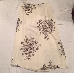 Liz Claiborne Skirt Cream