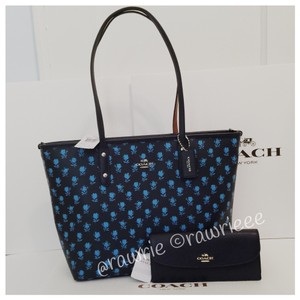 Coach Set Set Tote in blue