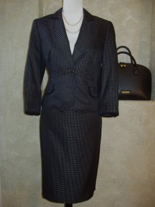 Nine West One Button Skirt Suit