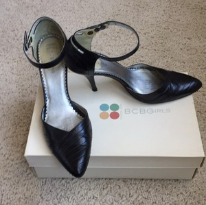 BCBG Girls / Max Azria Black Pumps
