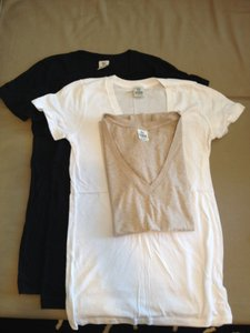 PINK T Shirt VICTORIA SECRET WHITE VNECK TEE SHIRT MEDIUM