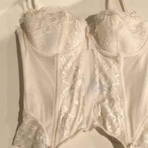 Victoria's Secret Lace Ivory Bridal Corset 34c