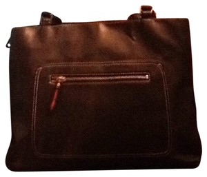 Liz Claiborne Tote in Black