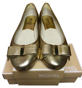 Michael Kors Round Toe Rubber Sole PALE GOLD Flats