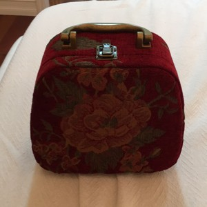 Hand made but cannot see the designer signature ir stamp anywhere Satchel in Red W Flowers