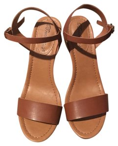 Breckelle's chesnut Wedges