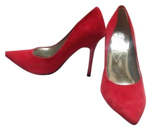 Guess Red Pumps