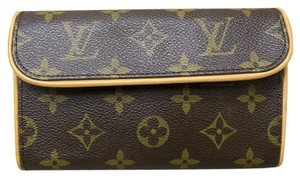 Louis Vuitton Lv Like New Small Clutch Wristlet in brown