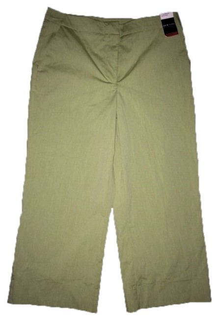 New York & Company City Stretch Capris Pale Sage Green