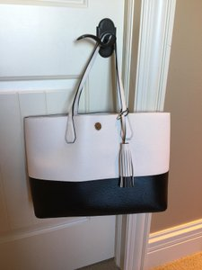 Tory Burch Dust Gift Tote in Black & White
