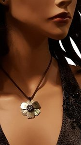 Vintage Shell Flower Rope Necklace