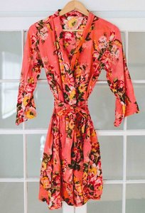 Coral Floral Bridesmaids Robes Brand New Set Of 6