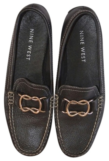 Preload https://item5.tradesy.com/images/nine-west-loafers-leather-blackgold-flats-1990479-0-0.jpg?width=440&height=440