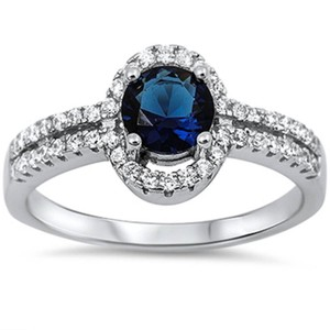 9.2.5 stunning blue and white sapphire cocktail ring size 8